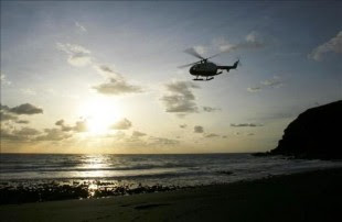 Pescadores que estaban en el sector dieron aviso al guardacostas, que ordenó la búsqueda y el rescate de las cuatro mujeres y los 15 hombres que iban en la motonave. EFE/Archivo