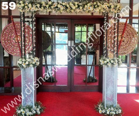 Entrance Decorations   Disnas Wedding Flora   Flowers for