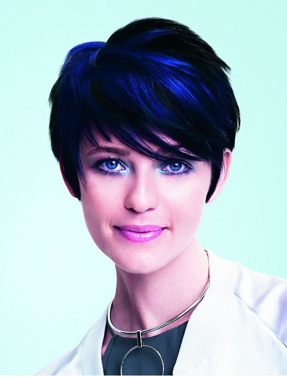 Shaggy Bob Haircuts With Bangs Spring Summer In Different Variants