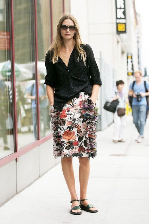 Le Fashion Blog Easy Street Style Nyfw Model Off Duty Look Sunglasses Black Slouchy Top Floral Skirt With Ruffle Details Flat Sandals Via Popsugar