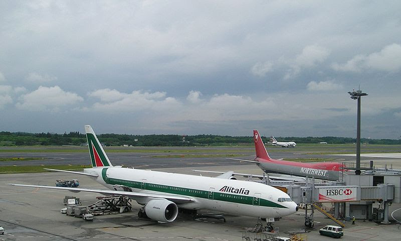 File:Alitalia B777 P6180024.JPG