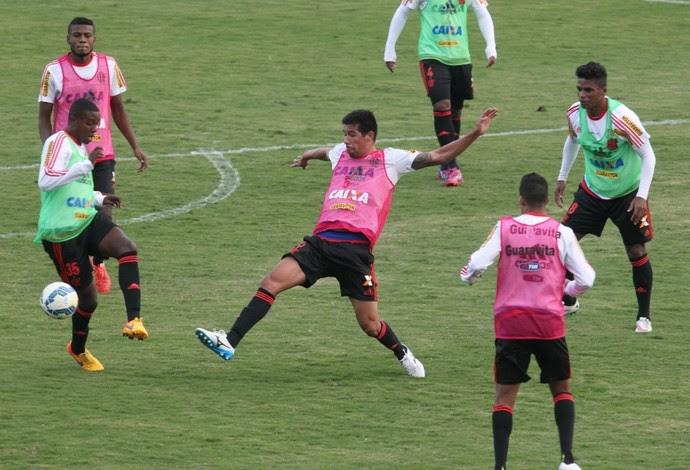 Treino da tarde teve divisão do elenco em quatro times (Foto: Gilvan de Souza / Flamengo)