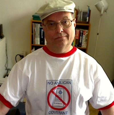 Lionel Deimel models T-shirt