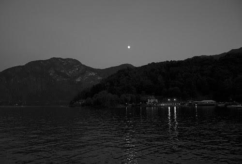 Lenno by night