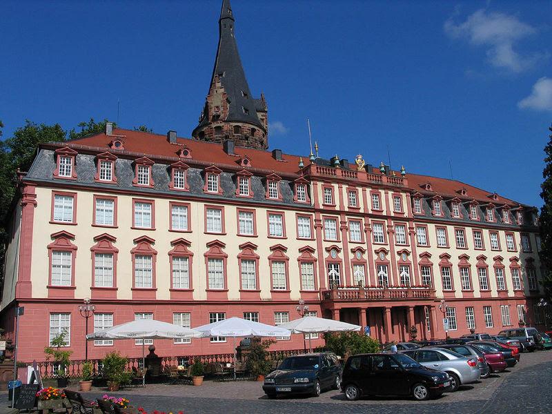 Datei:Schloss Erbach Odenwald.jpg