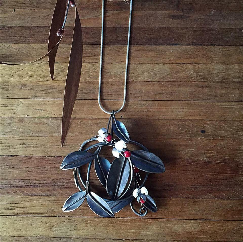 Image de Couvre-sol couronne pendentif
