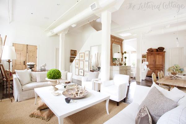 Atchison Αρχική | Mobile Alabama | Sisal Χαλί | slipcovered Καναπέδες και καρέκλες | Λευκό Τείχη