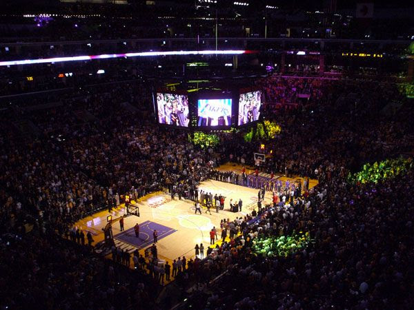 LAKERS vs. CLIPPERS... October 27, 2009.