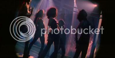 http://i631.photobucket.com/albums/uu31/nickikim07/Kaaka%20Kaaka/PDVD_077.jpg