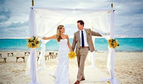 Destination Weddings: Top 10 Affordable & Desirable
