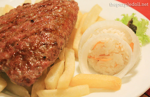 Stuffed Pljeskavica with Fries P320