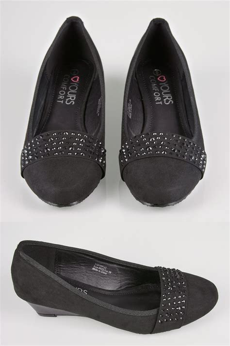 Black Embellished Court Shoes In EEE Fit
