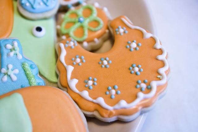 babyshower-cookie-bib