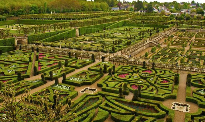 Les Plus Beaux Jardins Des Chateaux De La Loire