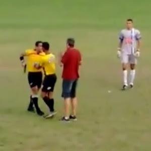 Juiz saca a arma durante jogo pela liga amadora em Minas Gerais