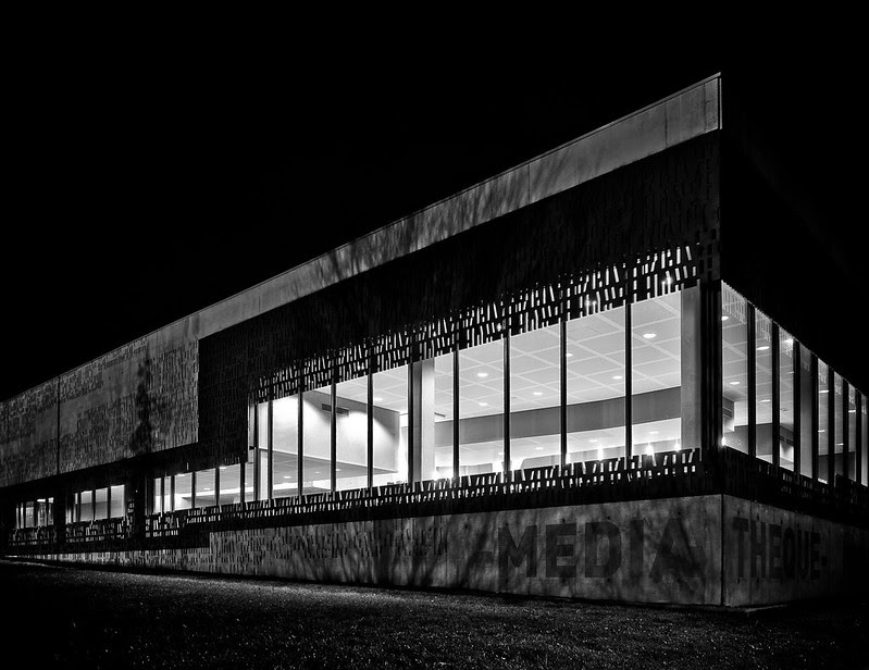 Evry Daily Photo - La mediatheque Albert Camus - Evry Village