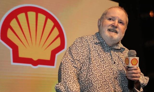 Jô Soares é homenageado no 31º. Prêmio Shell! Chris Couto, Regina Duarte, Bete Coelho, Fabiana Gugli e Gabriel Leone também o reverenciam!!