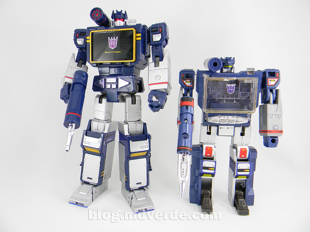 Transformers Soundwave Masterpiece - modo robot vs G1