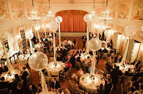 Posh   Playful Seattle Wedding: Darcie   Neal   Green