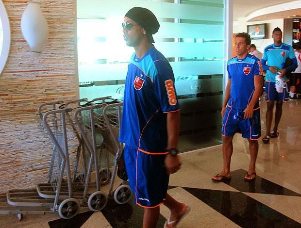 Ronaldinho Gaúcho no hotel do Flamengo (Foto: Richard Souza / GLOBOESPORTE.COM)