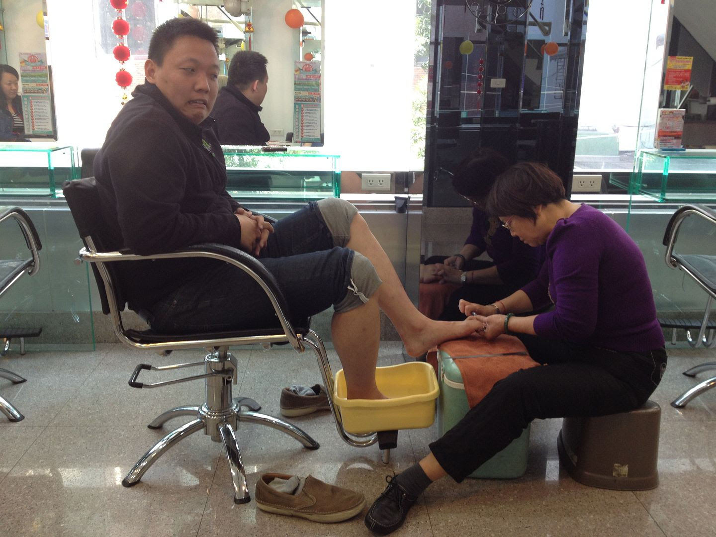 Michael Getting a Pedicure in Kaohsiung