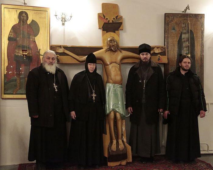 Перед отправкой креста в Луганск