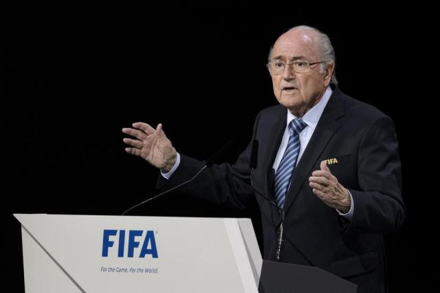 Luiz Zini Pires: o que significa a queda de Blatter para o Brasil FABRICE COFFRINI/AFP