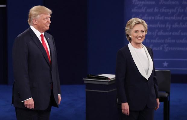 Donald Trump e Hillary Clinton durante debate, em 9/10
