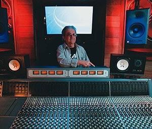 Roy Joel Cicala no estúdio South America Plant (Foto: Divulgação)