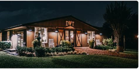 The Carriage House Stable at Cross Creek Ranch Weddings