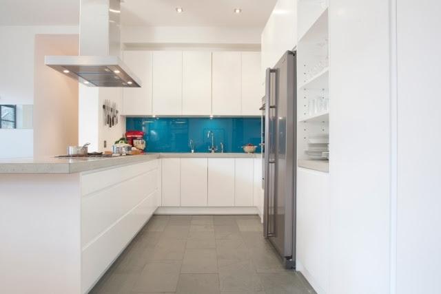 arbeitsplatte küche abstand zur wand  landhaus stil in