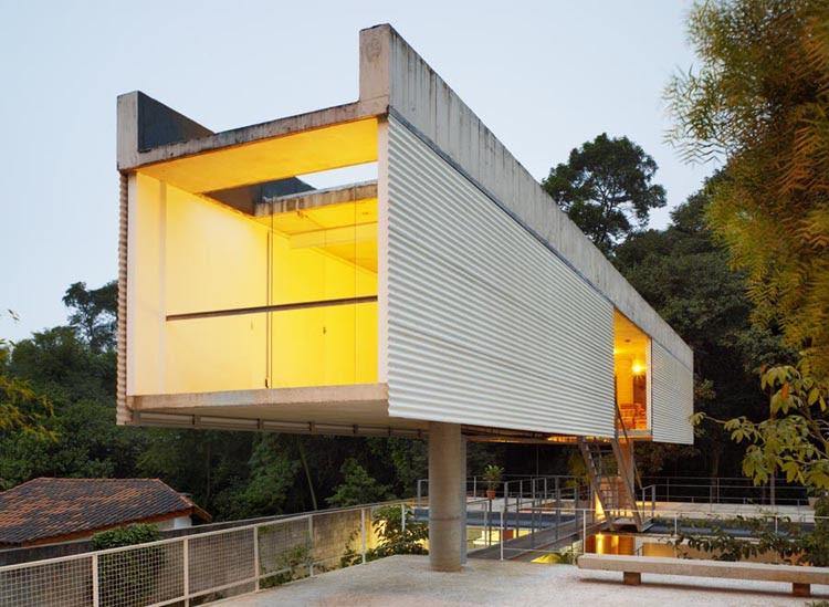 Casa en Carapicuiba - Angelo Bucci & Alvaro Puntoni Arq.
