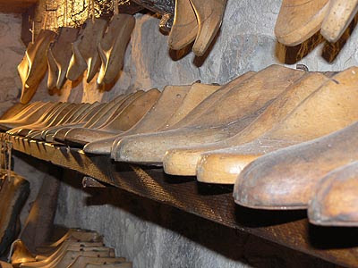 formes en bois à chaussures.jpg