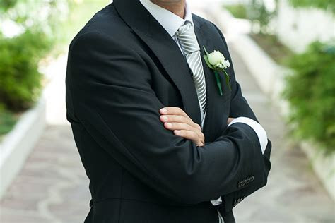 Wedding Suits for Grooms: Six simple steps to keep in mind