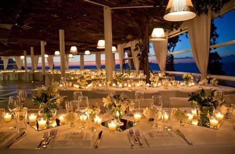 Cliffside Restaurant. Restaurants in Capri.   The Italian