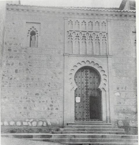 Portada de la Iglesia de Santa Leocadia tras la restauración de 1966
