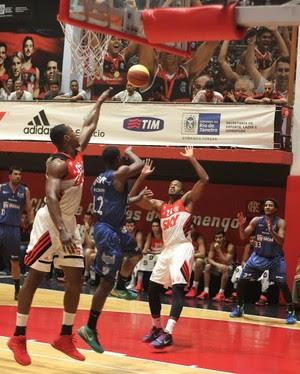 Flamengo x Macaé, estadual de basquete  (Foto:  Raphael Bózeo / Macaé Basquete)