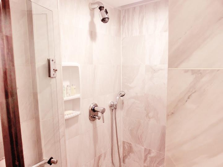 regent taipei hotel shower room