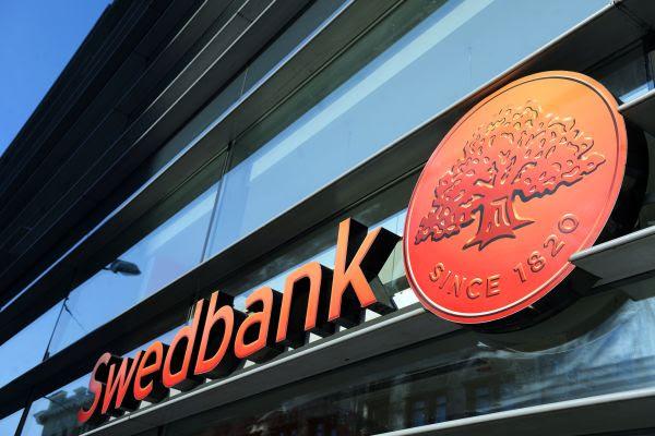 100 dienas līdz kodu karšu ēras beigām: kas jāzina Swedbank klientiem?