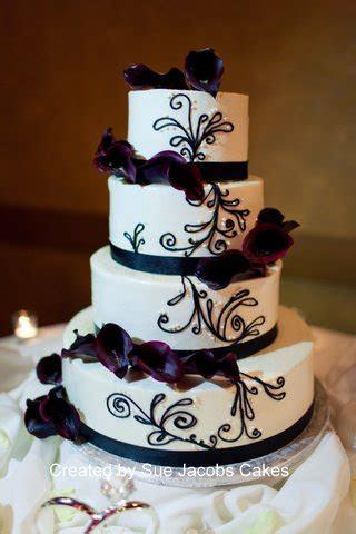 Purple Calla Lily Wedding Cake