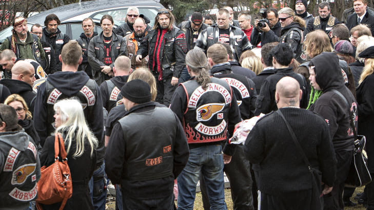 PÅ JOBB:  I forrige uke var det begravelse for et profilert norsk HA-medlem i Oslo Domkirke, og Marcel Leliënhof var til stede for å ta bilder. Foto: Lars Eivind Bones / Dagbladet