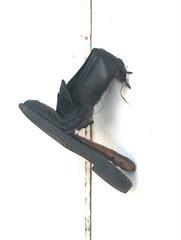 vieille chaussure plus qu'usée