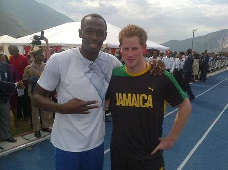 Usain Bolt posa ao lado do Príncipe Harry
