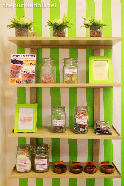 Trinket and Snack Display at Jelly G