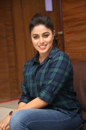 South Actress Shamna Kasim Looks Hot