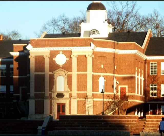 P1070420-2011-01-29-North-Fulton-High-School-Shutze-West-Facade