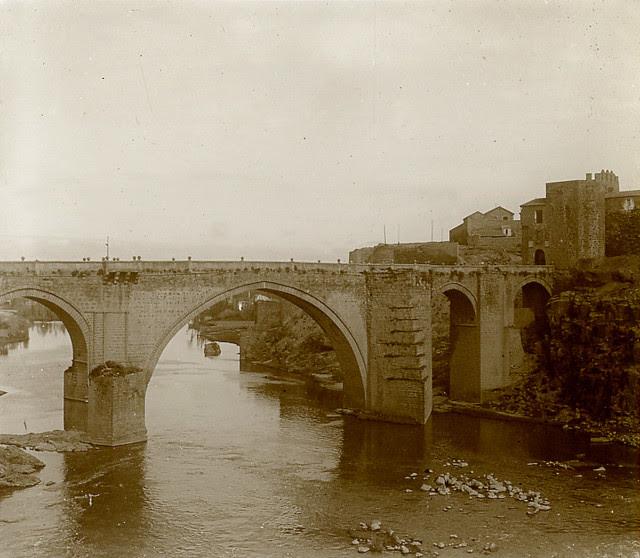 Puente de San Martín en 1913. Fotografía de Luis Calandre Ibáñez