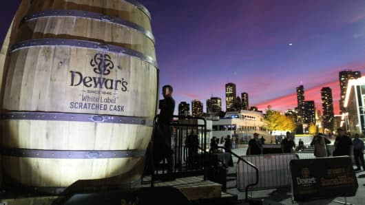 """Dewar's """"White Label"""" Scratched Cask invites consumers to experience how it's made in its virtual experience."""