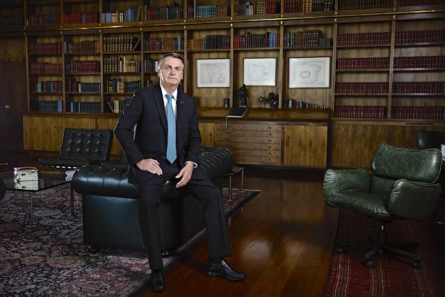"""Veja: """"A chance de um golpe é zero"""", diz Bolsonaro em entrevista"""