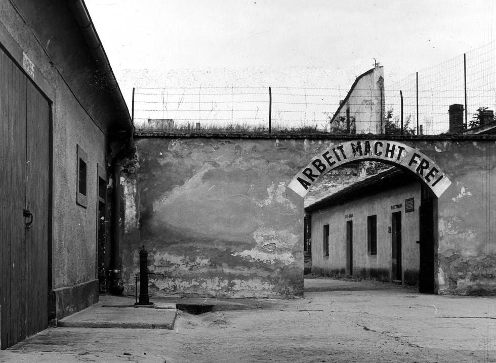Entrada del campo de concentración de Terezin (República Checa).